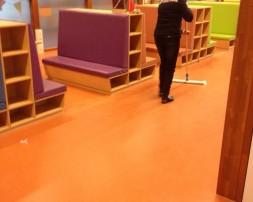 school-schoonmaak-vloeren